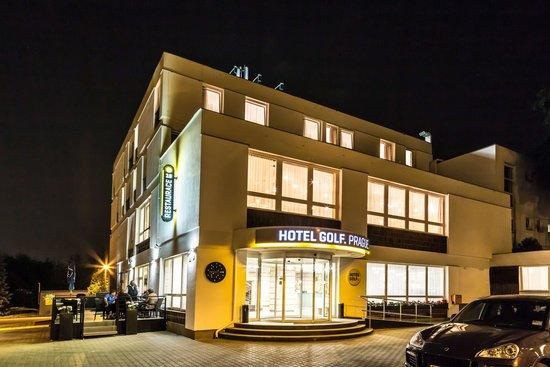 Hotel Golf: Main building