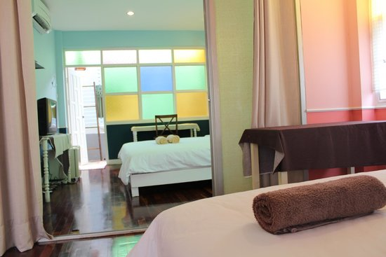 UDEE Cozy Bed & Breakfast: Connecting room for big family