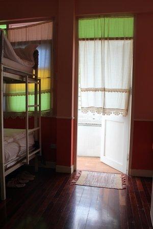 UDEE Cozy Bed & Breakfast: Open to balcony
