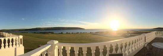 The Cliff Hotel & Spa: View of sunset from balcony
