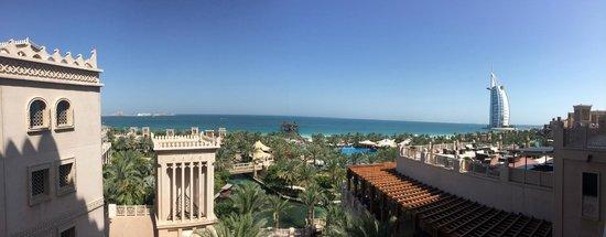 Jumeirah Beach Hotel: La magnifica vista di giorno!