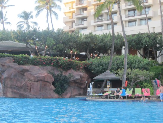 Hyatt Regency Maui Resort and Spa: A day at the pool