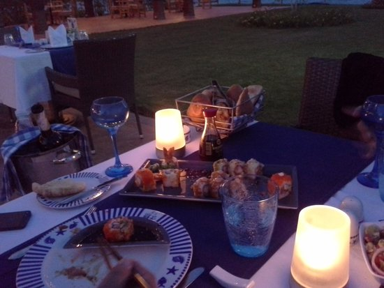 SUNRISE Grand Select Crystal Bay Resort: Dinner in einem angemessenen Ramen