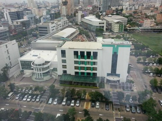 Chaophya Park Hotel : View from room - car park and hotel's event hall / restaurant