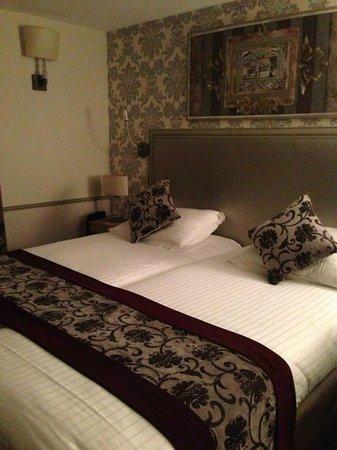 Monceau Wagram Hotel: Nice room