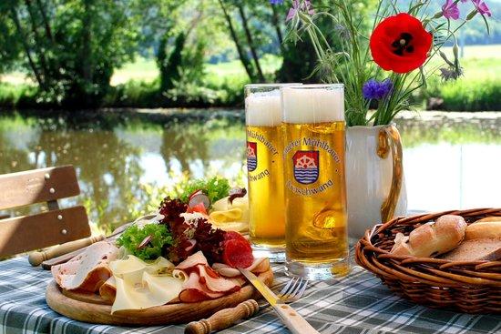 Natur- Wohlfühlhotel Brunner Hof: idyllischer Biergarten