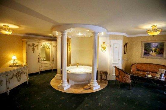 Hotel zur Weinsteige: номер с джакузи