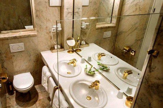 Hotel zur Weinsteige: ванная комната