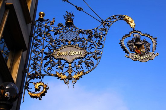 Hotel zur Weinsteige: вход