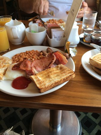 Big Blue Hotel: Delicious breakfast