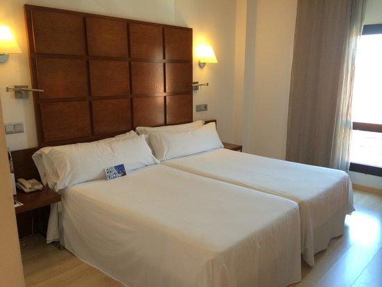 TRYP Zaragoza: A cama