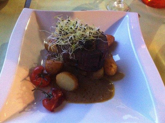 Restaurant L'Écluse : Pavé de bœuf, sauce foie gras. Une cuisson parfaite!