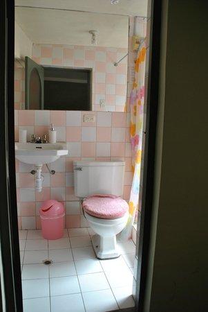 Kusillo's Posada: Salle de bain