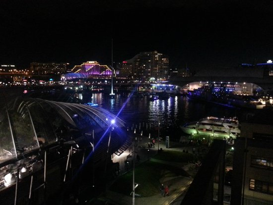 Adina Apartment Hotel Sydney Darling Harbour: View from our room