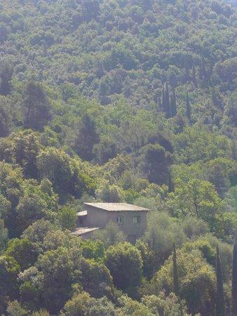 Le Mas de Beauplan: Niché au fond du vallon
