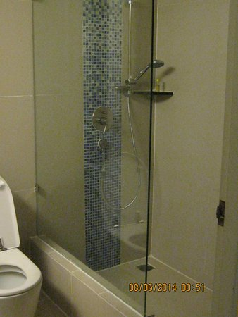 Aspery Hotel: Bathroom