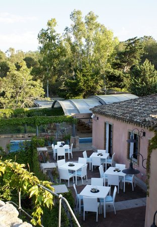 Monte Turri Luxury Retreat: Hintere Terrasse