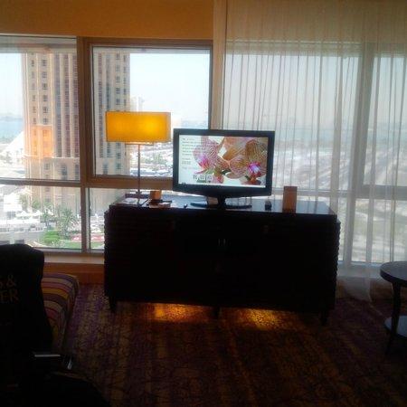 Movenpick Hotel West Bay Doha: Window