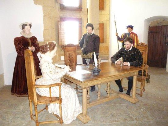 Château Fort de Sedan : Scène de la signature du contart de mariage d'Henri de la Tour d'Auvergne sous le regard d'Henri