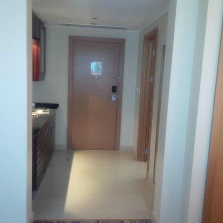 Movenpick Hotel West Bay Doha: Hallway