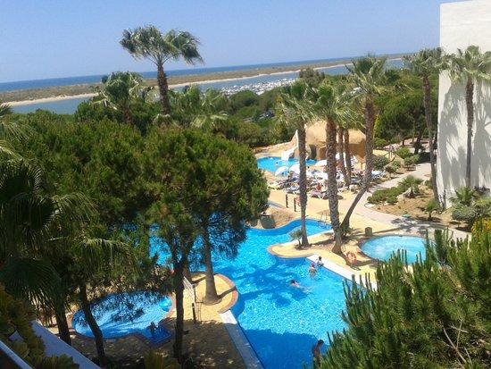 Playacartaya Spa Hotel: Zona piscina y toboganes