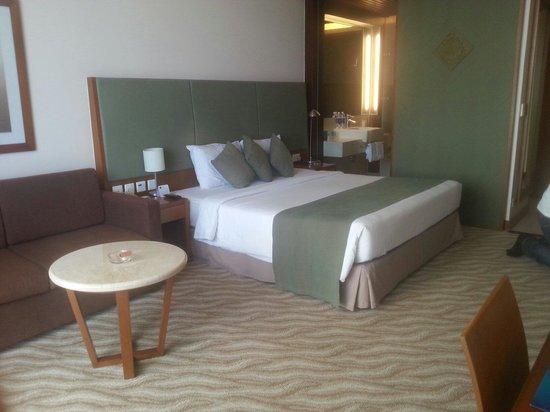 Novotel Nha Trang : Sengen på hotellrommet.