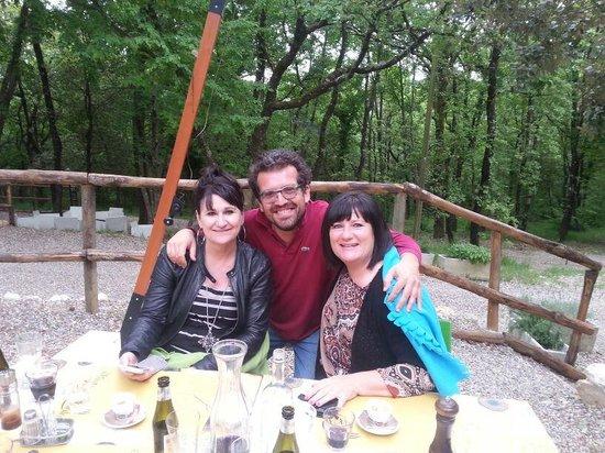 Ristoro di Cellole: Unsere Frauen mit dem Chef!
