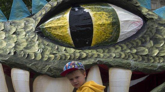 Marktplatz (Rynek Główny): Dragon snack?