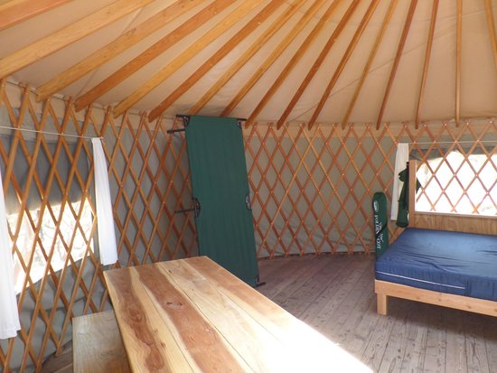 Bothe-Napa State Park: Two cots were set up in the yurt and 2 more you can set up