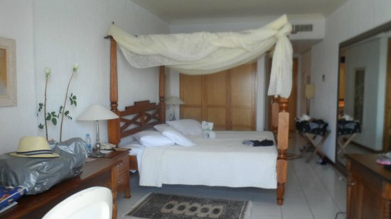 Panorama Hotel - Chania : Bedroom in Executive Suite