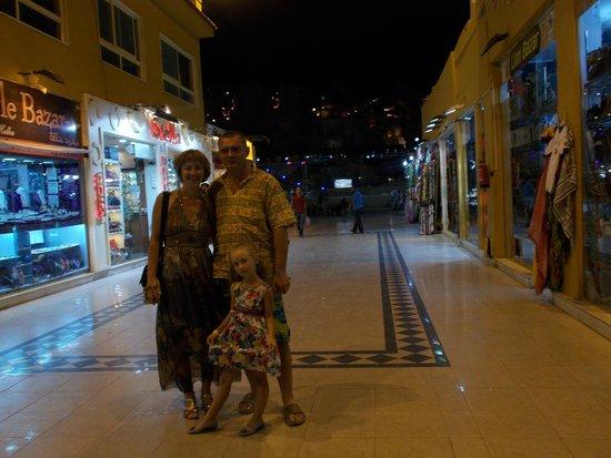 Old Market: Необычная пустота торговых переулков