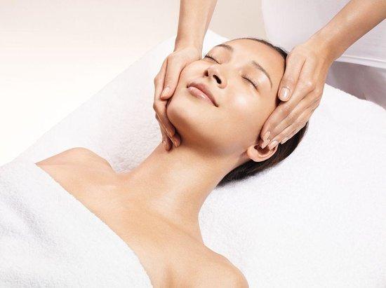 Crieff Hydro Spa: Clarins facial treatment