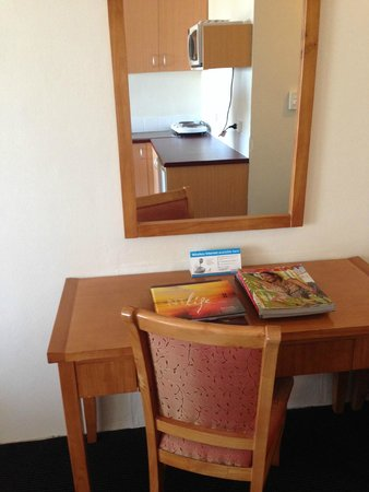 Luma Luma Holiday Apartments Hotel: Room to do reports