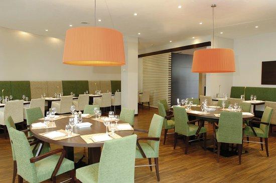 NH Frankfurt Airport West: Restaurant