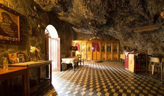 Antilia Apartments: Cave Church west of Travronitas