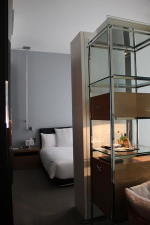 Andaz 5th Avenue: La chambre/salon