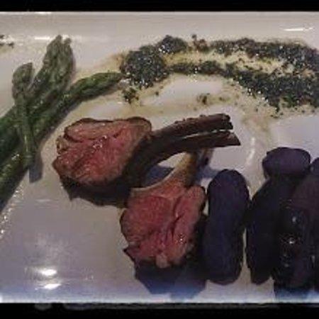 Albert's Restaurant & Bar: Rack of Lamb with Purple potatoes