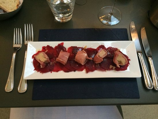 La table de Panturle: beetroot carpaccio with ham-wrapped fois gras