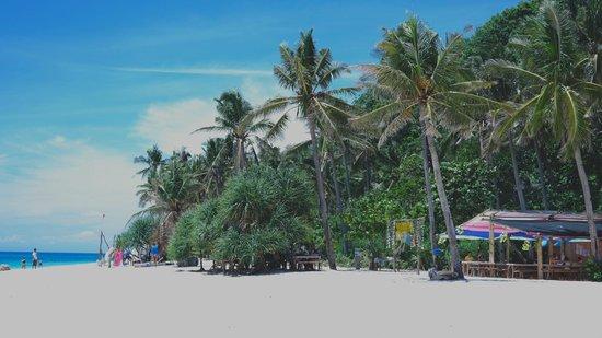 Yapak Beach (Puka Shell Beach): lovely beach to visit