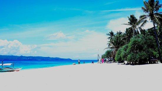 Yapak Beach (Puka Shell Beach): shot by Samsung NX 300. love this beach