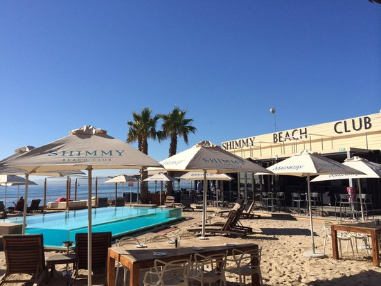 Shimmy Beach Club: The outside area