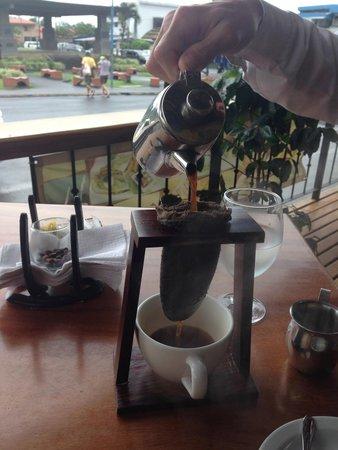 My Coffee Lounge & Restaurante: Authentic coffee preparation