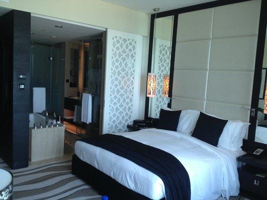 Sofitel Abu Dhabi Corniche: Room