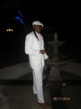 Sandals Halcyon Beach Resort : All White Evening at LeToc
