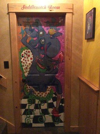 Matanuska Lodge: Painted doorway to bedroom