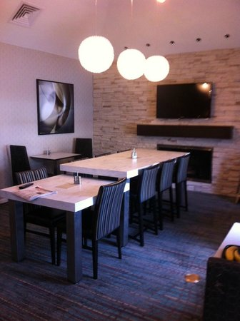 Residence Inn Harrisburg Hershey: new expanded breakfast seating