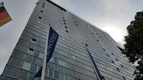 Novotel Suites Hamburg City hotel: Skyskrapa