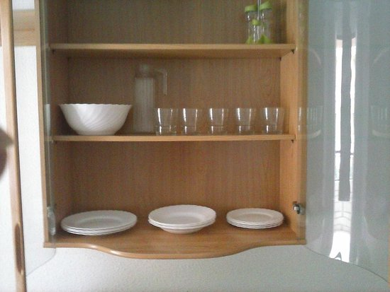 Apartamentos Bernat 3000: Vajilleria completa?