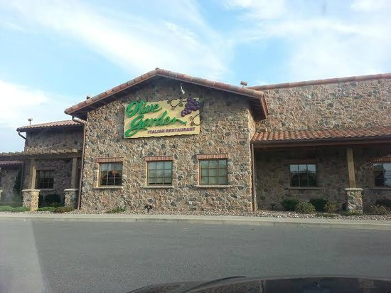 Outside Picture Of Olive Garden Niagara Falls Tripadvisor