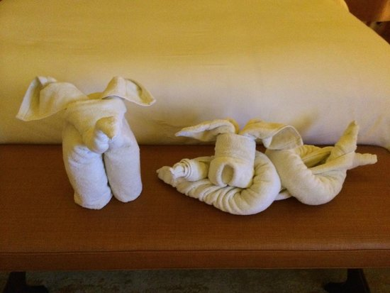 Mulia Villas: Folded Towels